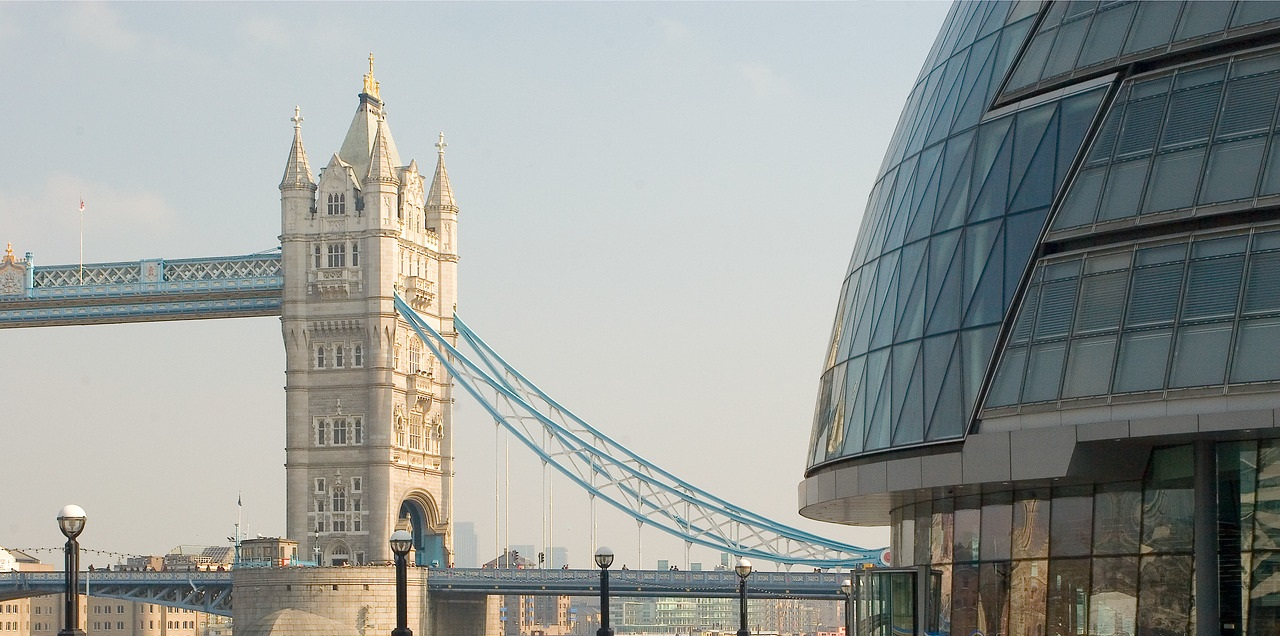 Photo of the Tower Bridge from the UCL image store